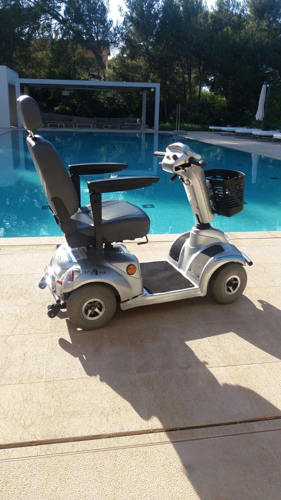 Scooter eléctrico modelo grande